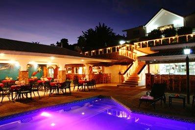Hotel seychelles photos le relax hotel photos hotel for Piscine paris ouverte le soir
